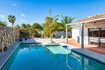 a renover-Villa/Guest House-swimming pool