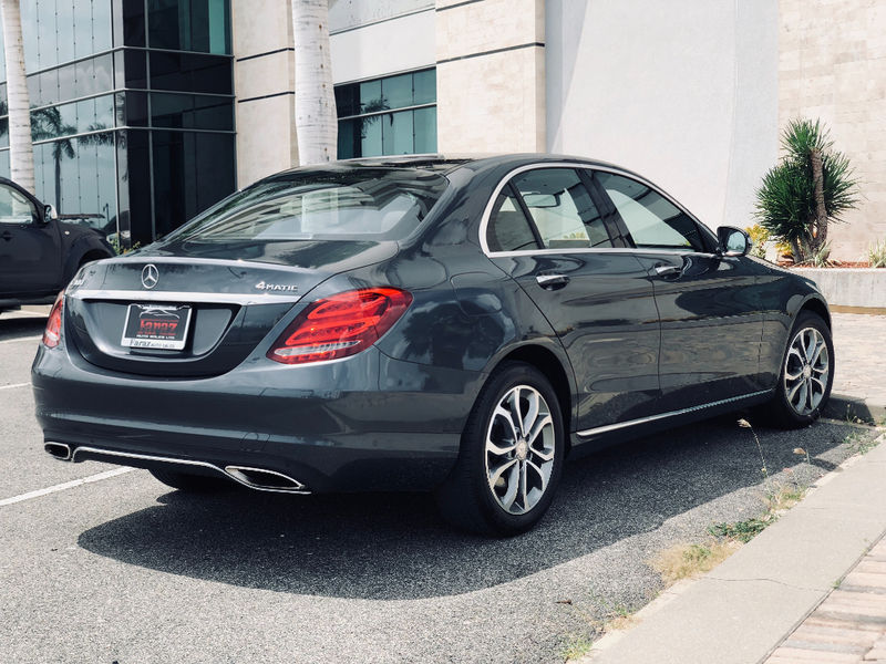 2015 Mercedes C300 4 matic