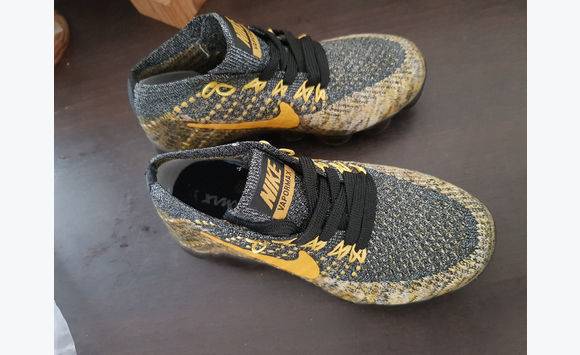 89110aa01a2 Vapormax child size 29 - Shoes Saint Martin • Cyphoma