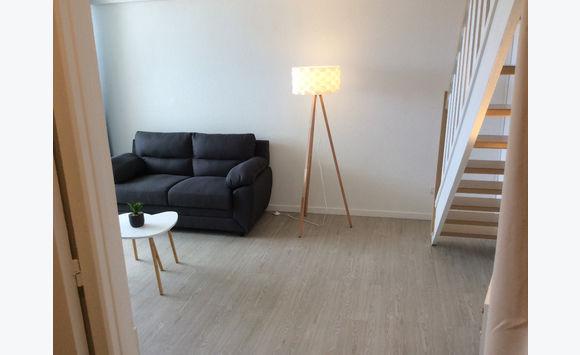 Particulier Loue studio avec chambre en mezzanine