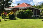 Jolie maison en bois de type créole